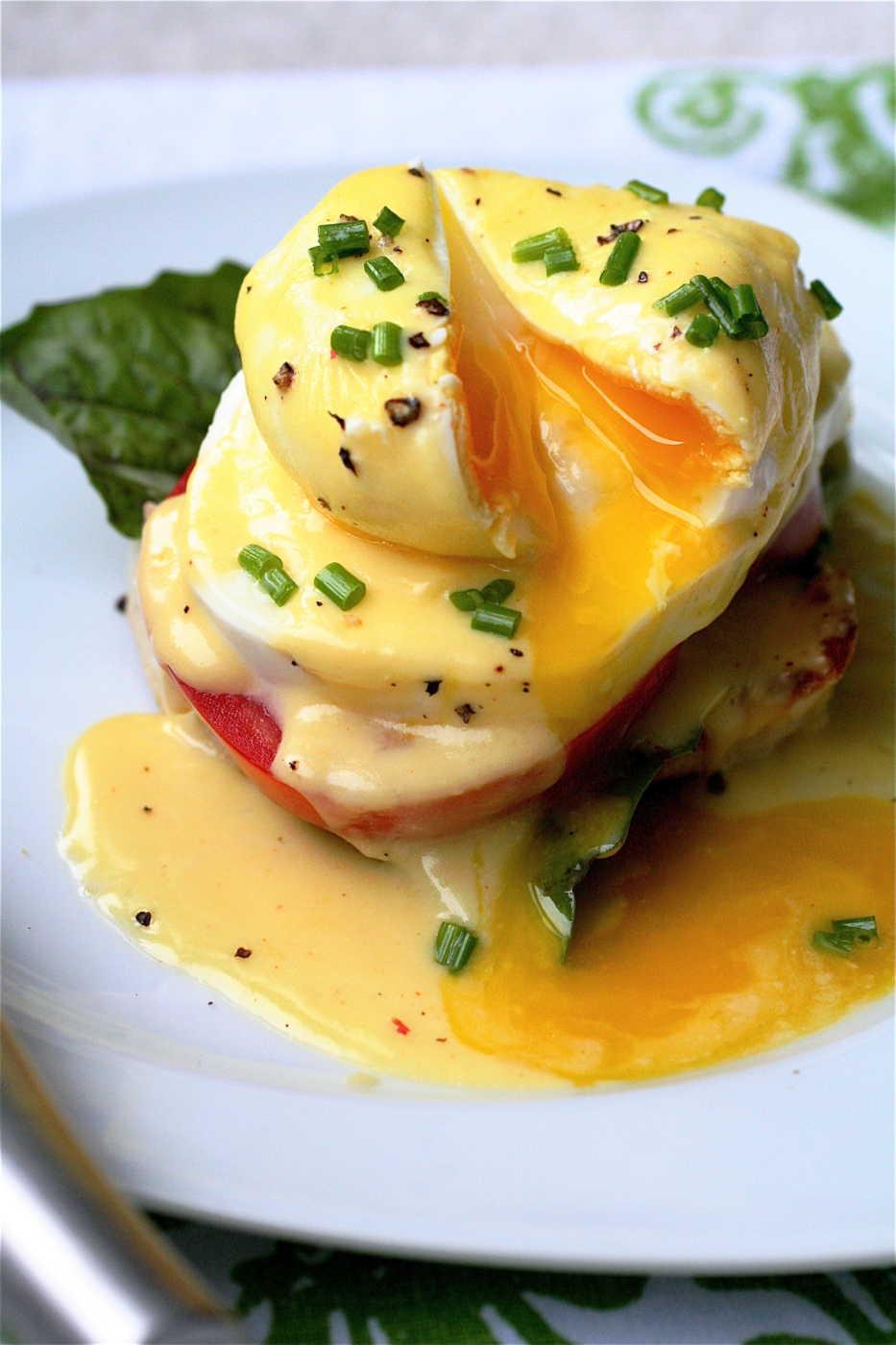 Eggs Benedict via Gizmodo